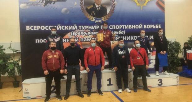 Бахчисарайский борец Эрнес Каримов – серебряный призер мастерского турнира в Рязани