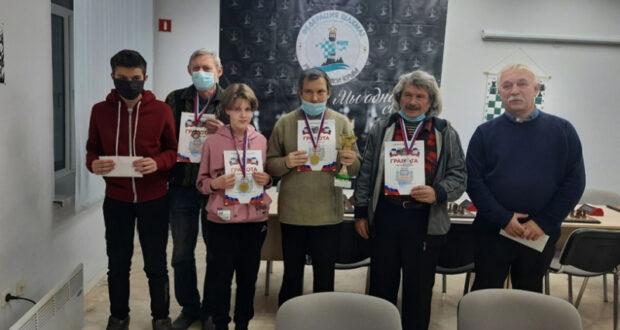 Виталий Сергеев – чемпион Симферополя по шахматам
