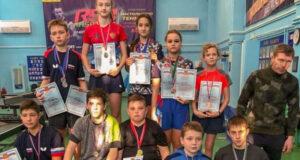 Вера Червонопольская и Дмитрий Чекалов – победители первенства Крыма по настольному теннису среди спортсменов до 16 лет