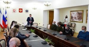 В Симферополе наградили работников сферы торговли, бытового обслуживания населения и ЖКХ