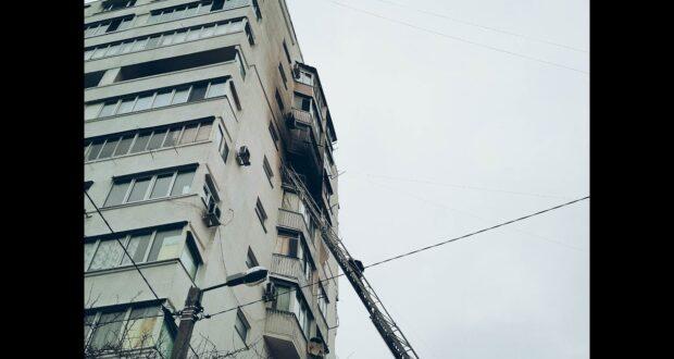 Пожар в севастопольской многоэтажке ликвидировали: четверо спасены
