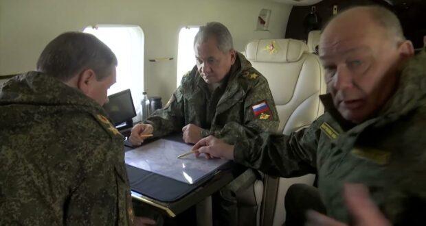 Шойгу облетел районы дислокации войск и техники в Крыму (ВИДЕО)