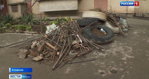 Подрядчик оставил горы мусора в благоустроенных дворах Симферополя