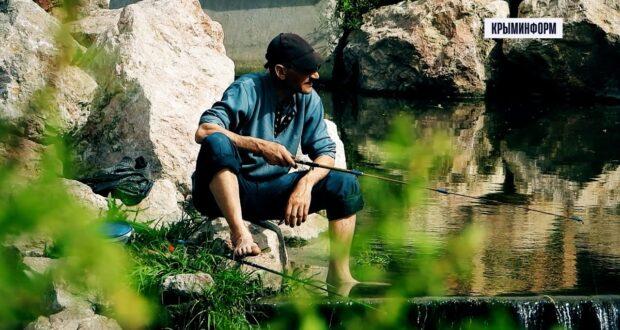Огроооомная рыба водится в реке Салгир