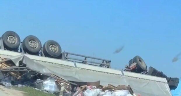 В Феодосии фура раздавила легковушку: погиб водитель