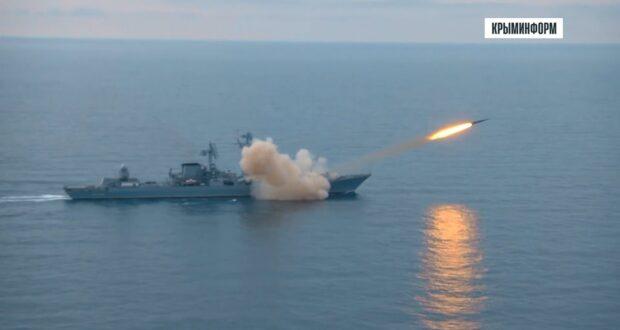 Флагман Черноморского флота провел ракетные стрельбы