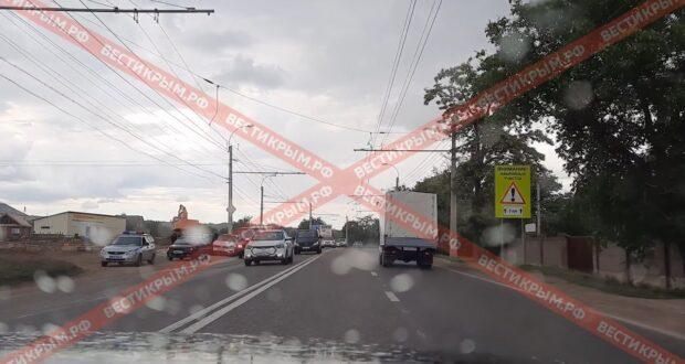 Крупное ДТП вызвало затор в Симферопольском районе (ВИДЕО)