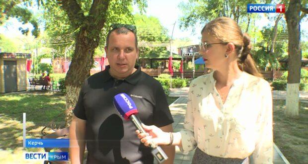 В Керчи школьники трудоустроились на время летних каникул