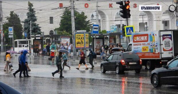 Реки вышли из берегов, подтоплены дома и набережные. Ливни опять накрыли Крым