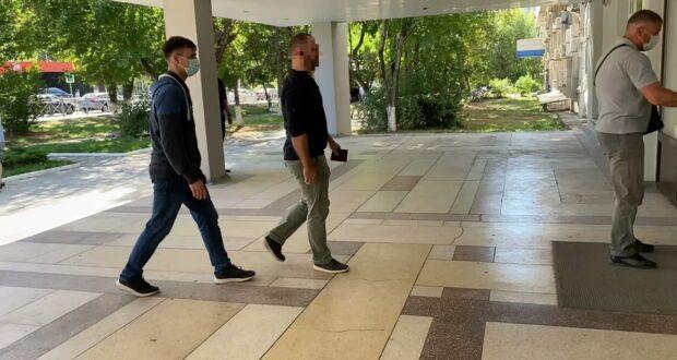 В Симферополе силовики задержали сотрудника Госкомрегистра за превышение полномочий