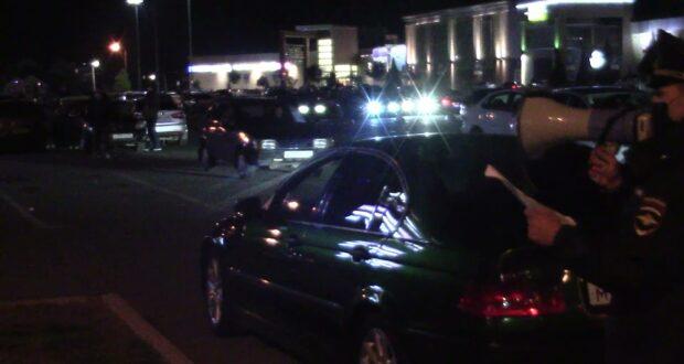 В Симферополе правоохранители на парковке ТЦ задержали 90 дрифтеров