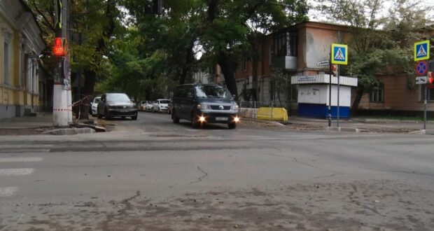 При ремонте улицы Гоголя в Симферополе замечены странности